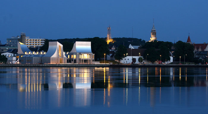 Utzon Center und Aalborgtaarnet