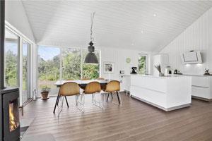 Stillinge Strand Haus SL232 Küchen- und Essbereich