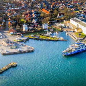 Neue Fähren, neue Brücke, neues Hochhaus?
